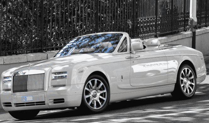 location rolls royce drophead saint tropez. Black Bedroom Furniture Sets. Home Design Ideas
