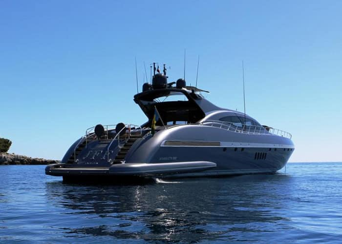 Location Yacht Mangusta Saint-Tropez